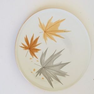 VTG Dinner Plate Fall Leaves Ben Siebel Foliage